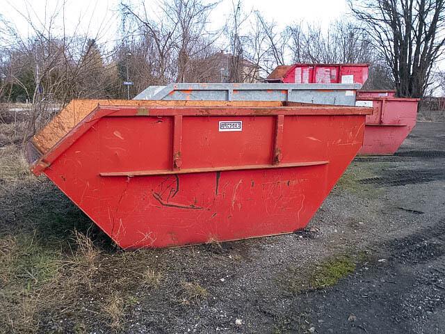 Laminat mit Containerdienst entsorgen